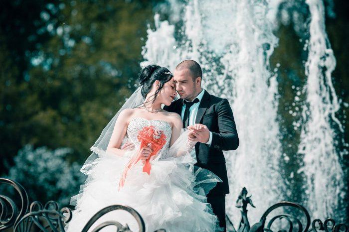 Свадьба в Раменском фото у фонтана