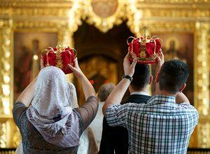 Фотосессия венчания: короны